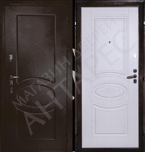 Дверь входная с молдингами